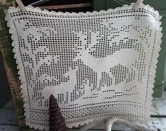 Vintage Wall Hanging /  Handmade Wall Decor / Crochet Deer Wall Hanging  / Vintage Textiles / Christmas / Doily / Woodland  / Table Runner