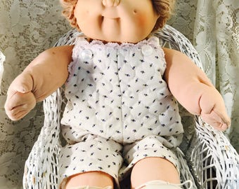 Vintage Cabbage Patch Doll - Green Signature - Coleco - Short Light Brownish Blonde Hair Blue Eyes Copyright 1978, 1982