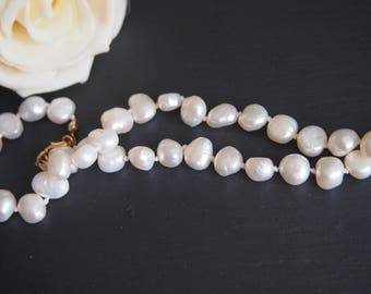 Classic ivory pearl necklace