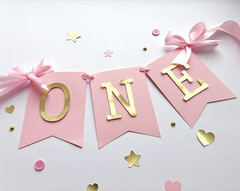 Pink Gold High Chair Banner Baby Girl 1 st Birthday Banner ONE High Chair Sign One Year Birthday Cake Smash Bunting First Girl Birthday