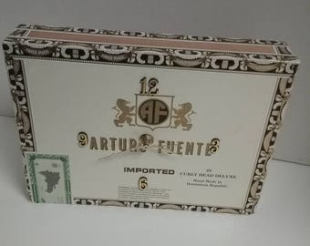 Jenuwine cigar box clock