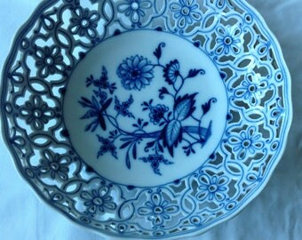 Meissen Porcelain Blue Onion Pierced Bowl