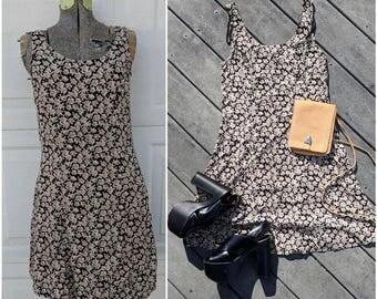 Vintage 90's Sleeveless Floral Mini Dress || Vintage 90's Grunge, Small/Medium
