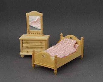 Vintage German Dollhouse Miniature Bedroom Furniture Wooden Peasant Rustic Country Style Unpainted Bodo Hennig Scottie's Bauernmalerei 1:10