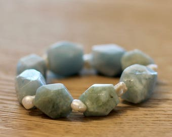 Aquamarine chunks and keshi pearl bracelet