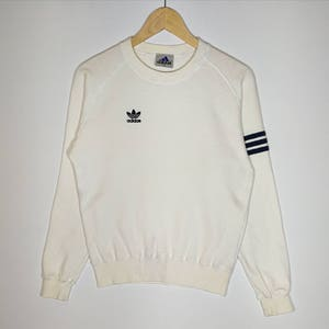 RARE!!! Vintage Adidas Trefoil Small Logo Embroidery White Colour Crew Neck Sweatshirts Jumper Pullover Small Size 9LbXF5x
