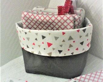 Lingettes  lavables(10) et panier , lingettes par 10 ,tissu graphique gris , rouge ,et blanc ,coton et  éponge ,bébé,cadeau de naissance ..