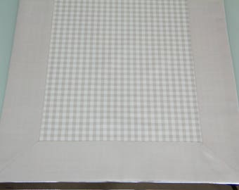 Plaid table runners with beige trim, 138 x 37 cm