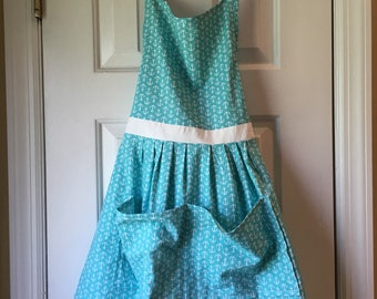 Cotton Apron with large pockets