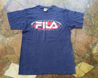 Vintage FILA Big Logo Design shirt