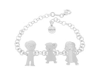 Customizable bracelet with 3 family members and free name engraving. Silver 925. Free MOUN box. Handmade in Italy wih love.