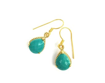 TURQUOISE crystals earrings. Gold plated.
