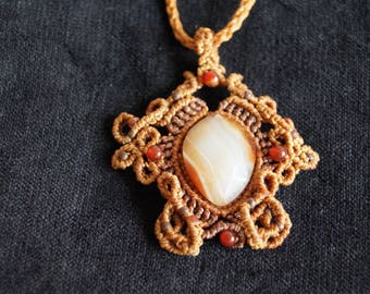 Agate necklace with agate Cornaline
