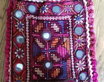 Vintage Kutch embroidered draw-string purse or pouch, circa 1960's
