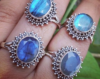 925 sterling silver ring with Labradorite stone.