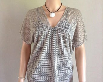Mesh look tunic blouse lace stretchy beige 36/38/40