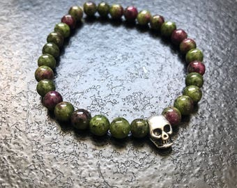 Bracelet natural pearls and skull
