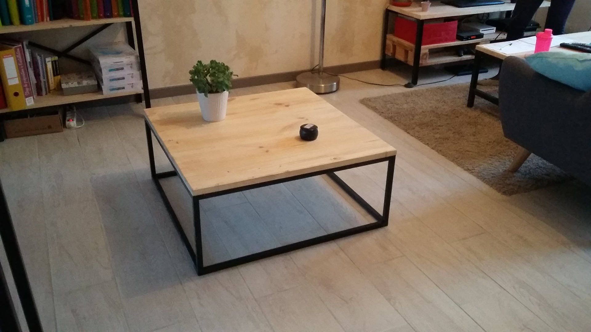 Fabriquer une table basse style industriel fashion designs for Table extensible industrielle