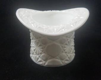 Vintage Fenton Milk Glass Top Hat