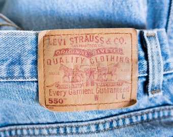 Vintage Levi Strauss Levi's 550 High Waisted Tapered Leg Denim Jeans Size 12 Mis L Waist 30 inches