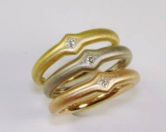 Princesses-rings, gold rings, engagement ring, Princesscut-diamonds, diamond
