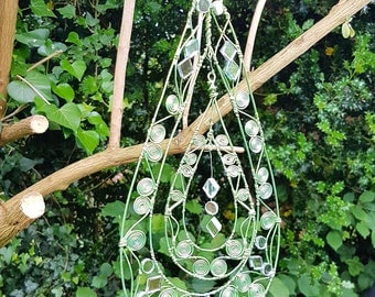 Teardrop sculpted Wire, Mirrored Sun Catcher/Decoration