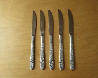 5 Vintage Stainless Steel Knives by STANLEY ROBERTS. Knives with flower design - Made in JAPAN