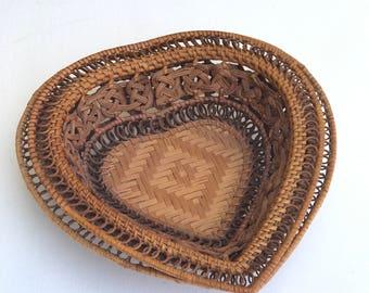 Heart Shaped Wall Baskets Set of 2 | Vintage Handmade Medium Heart Shaped Baskets | Woven Heart Shaped Basket | Heart Shaped Nesting Baskets