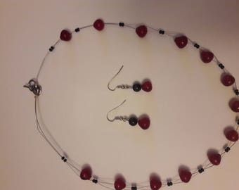 Wire necklace with earrings, Red