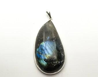 Women sterling silver Labradorite pendant