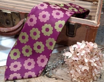 Groovy Mod Vintage Necktie in Purple and Chartreuse Green / Wide / Sir George