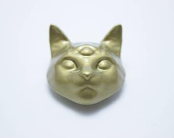 Solid 3 Eyed Cat Magnet