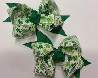 Green Pigtail Bows, St. Patricks Day Hair bows, St. Patricks Day Pigtail Bows, Shamrock hair bows, Green hair bow