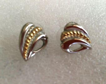 Vintage 1970s Silver & Gold Metal Alloy Abstract Heart Post Earrings (possibly MONET)