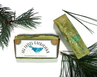 THE TONIC - handmade natural saponified cold soap invigorating inspiration from the boreal forests of Quebec with essential oils