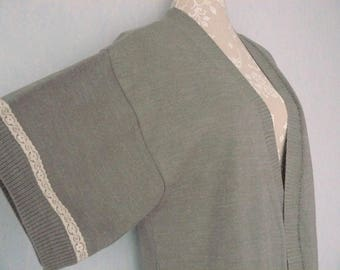 Light gray Kimono vest and beige lace woman cuts 44/46 - L