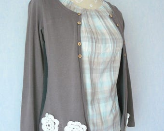 Vest/Blouse gathered grey and Plaid blue, beige and ecru