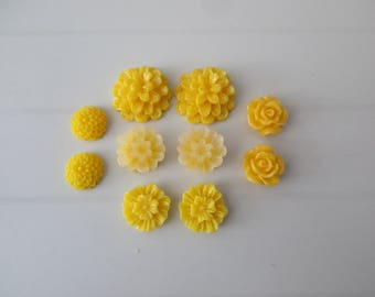 10 cabochons resin flowers paste yellow colors