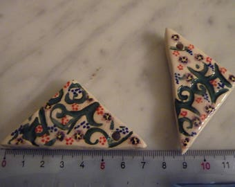 Pair of ceramic for earrings