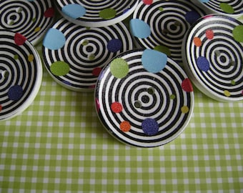 """Large """"spiral color"""" wooden buttons"""