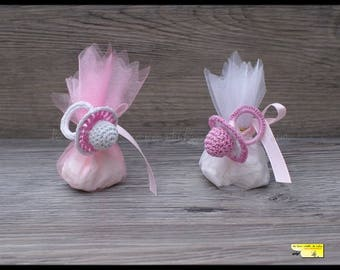 10 pacifier favors door pastel pink and white crochet for baptism