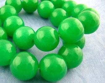 jade 32 beads round 12 mm Green PG07 diameter