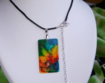 "Crew neck ""Range origin"" neck cord, pendant and polyester resin"