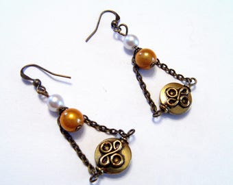 Earring ethnic bronze and gold color
