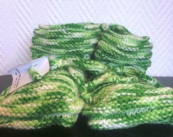 Adult pair of shoes size 39/41 color yellow-green knitted stitch gadroon