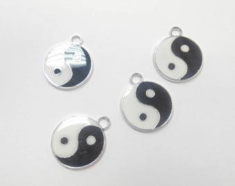 4 charms enamel ying and yang size 2.5 x 2 mm