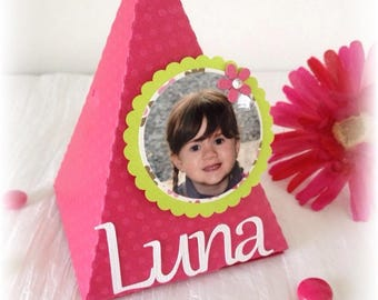 Pyramid dragees personalized lime green and fuchsia