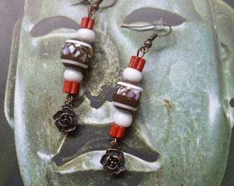 Ethnic earrings red, white and Brown in Nepal and ceramic bead and copper flower