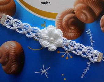 white flower crochet bracelet