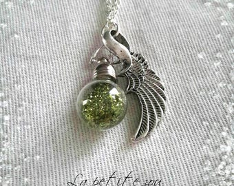 Necklace with fairy dust glass bottle
